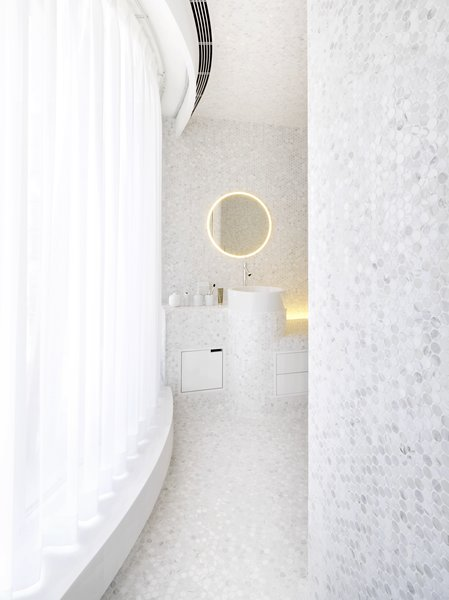Modern home with bath room. Main Bathroom Photo  of Apartment of Perfect Brightness