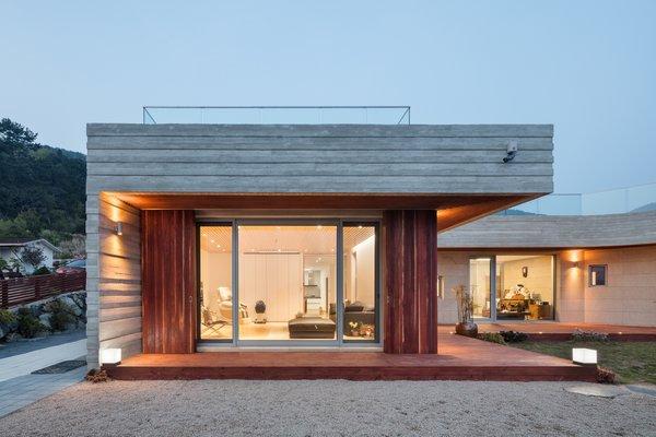 Photo 15 of Geoje House (迎海雅院) modern home