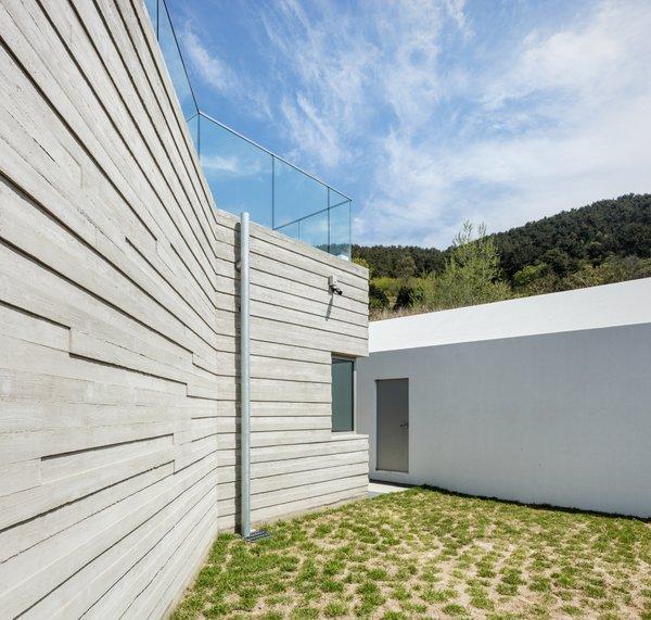 Photo 9 of Geoje House (迎海雅院) modern home