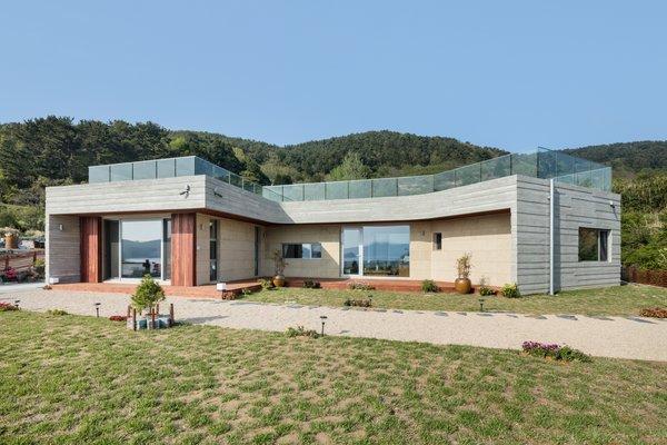 Photo 7 of Geoje House (迎海雅院) modern home