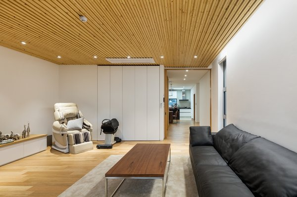 Photo 10 of Geoje House (迎海雅院) modern home