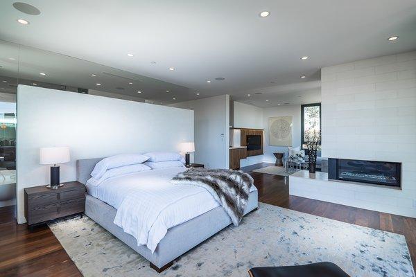 Photo 15 of Amalfi Drive Residence modern home