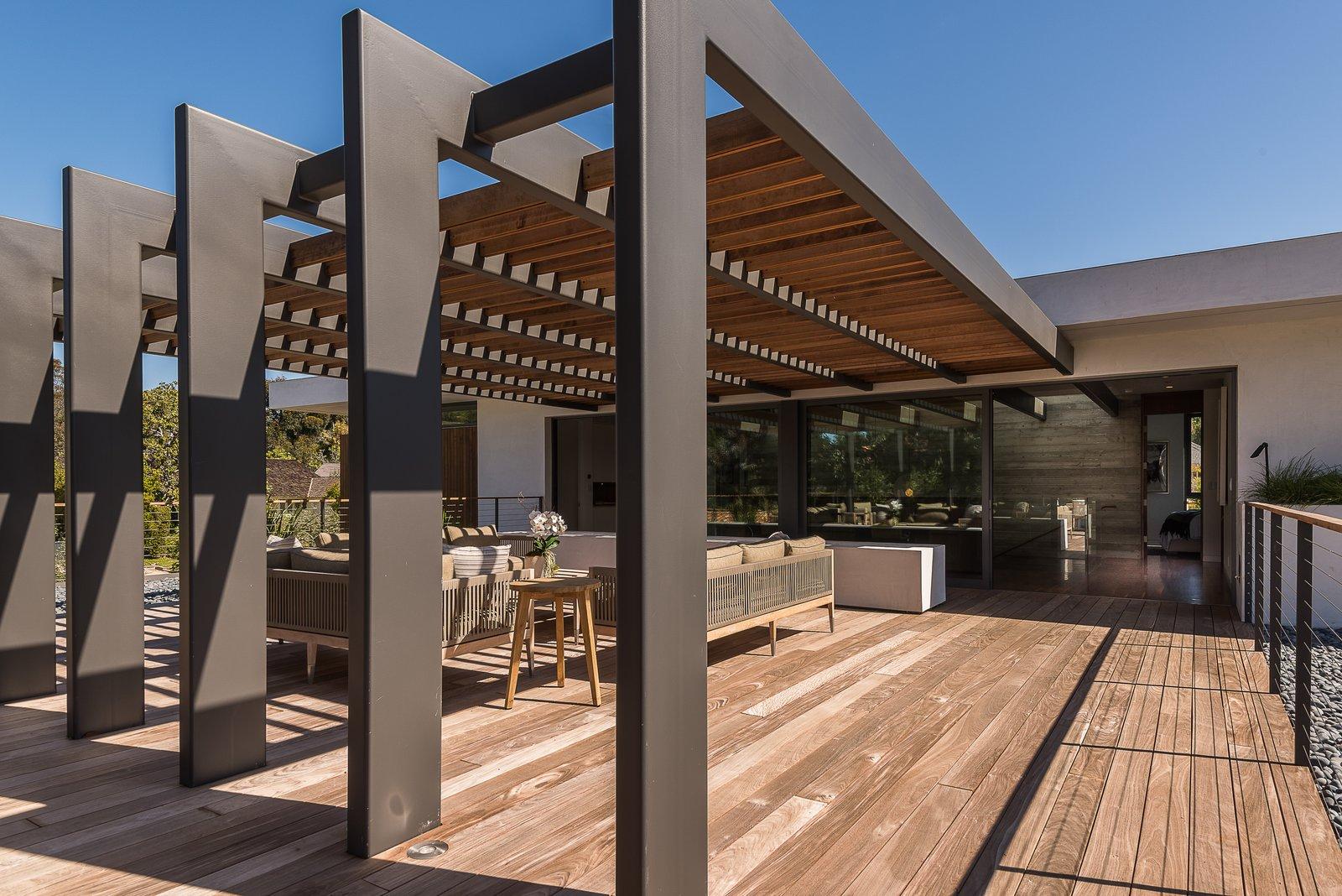 Roof Terrace Amalfi Drive Residence by Daryl Olesinski