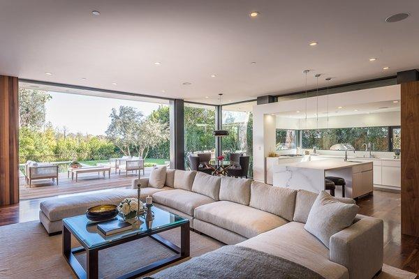 Photo 12 of Amalfi Drive Residence modern home