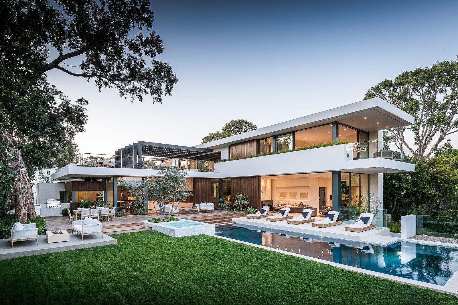Exterior Amalfi Drive Residence by Daryl Olesinski