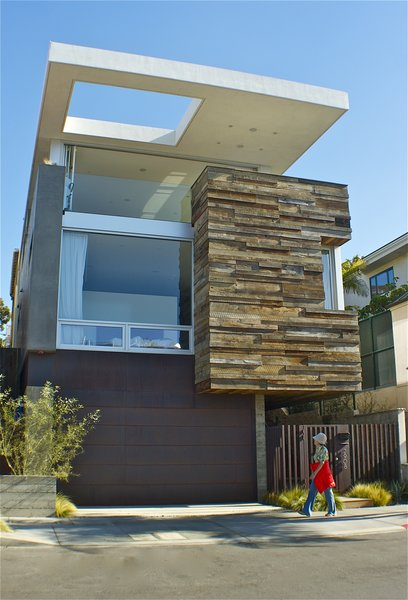 Exterior Photo  of Manhattan Beach Residence modern home
