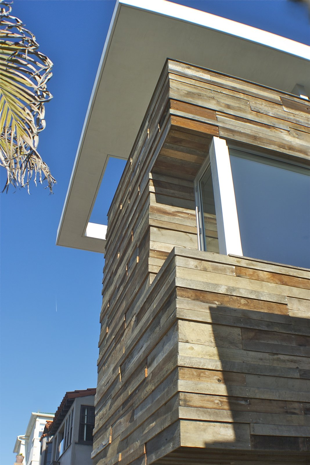 Exterior  Manhattan Beach Residence by Daryl Olesinski