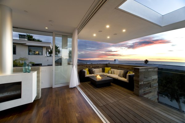 Terrace Photo 4 of Manhattan Beach Residence modern home
