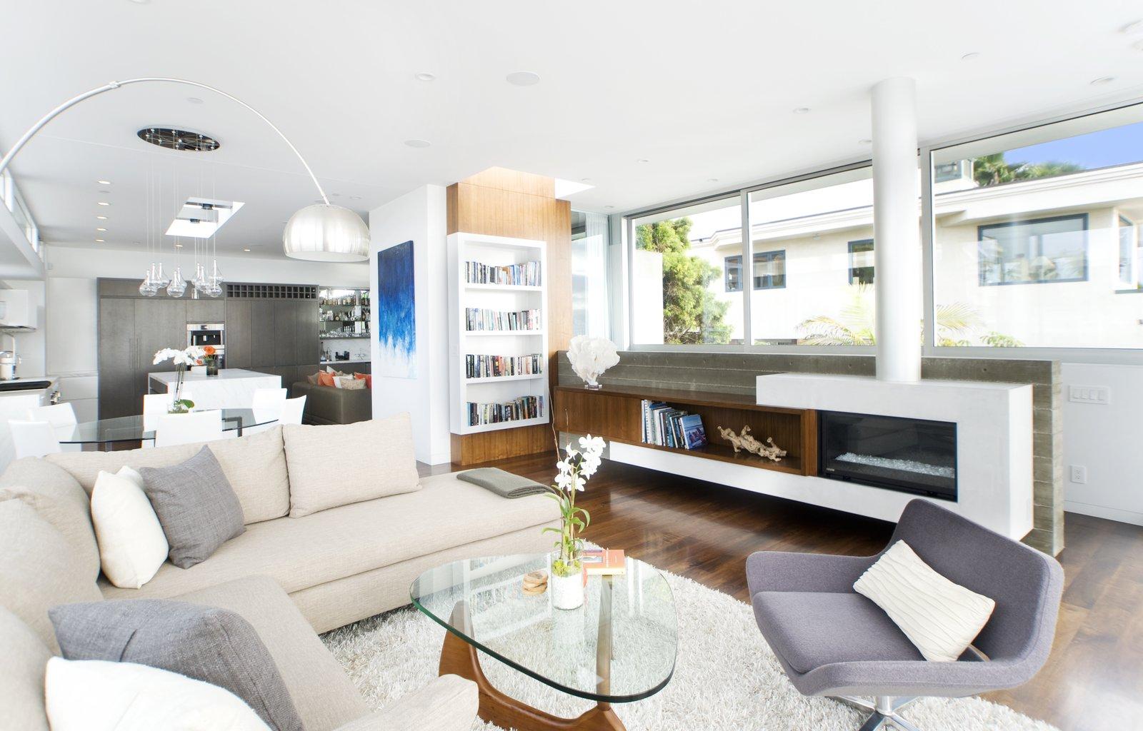 Living Room  Manhattan Beach Residence by Daryl Olesinski