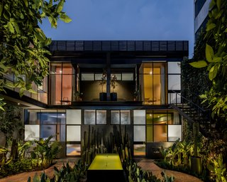 Ignacia Guesthouse Balances Historic and Modern In Mexico City - Photo 4 of 6 -