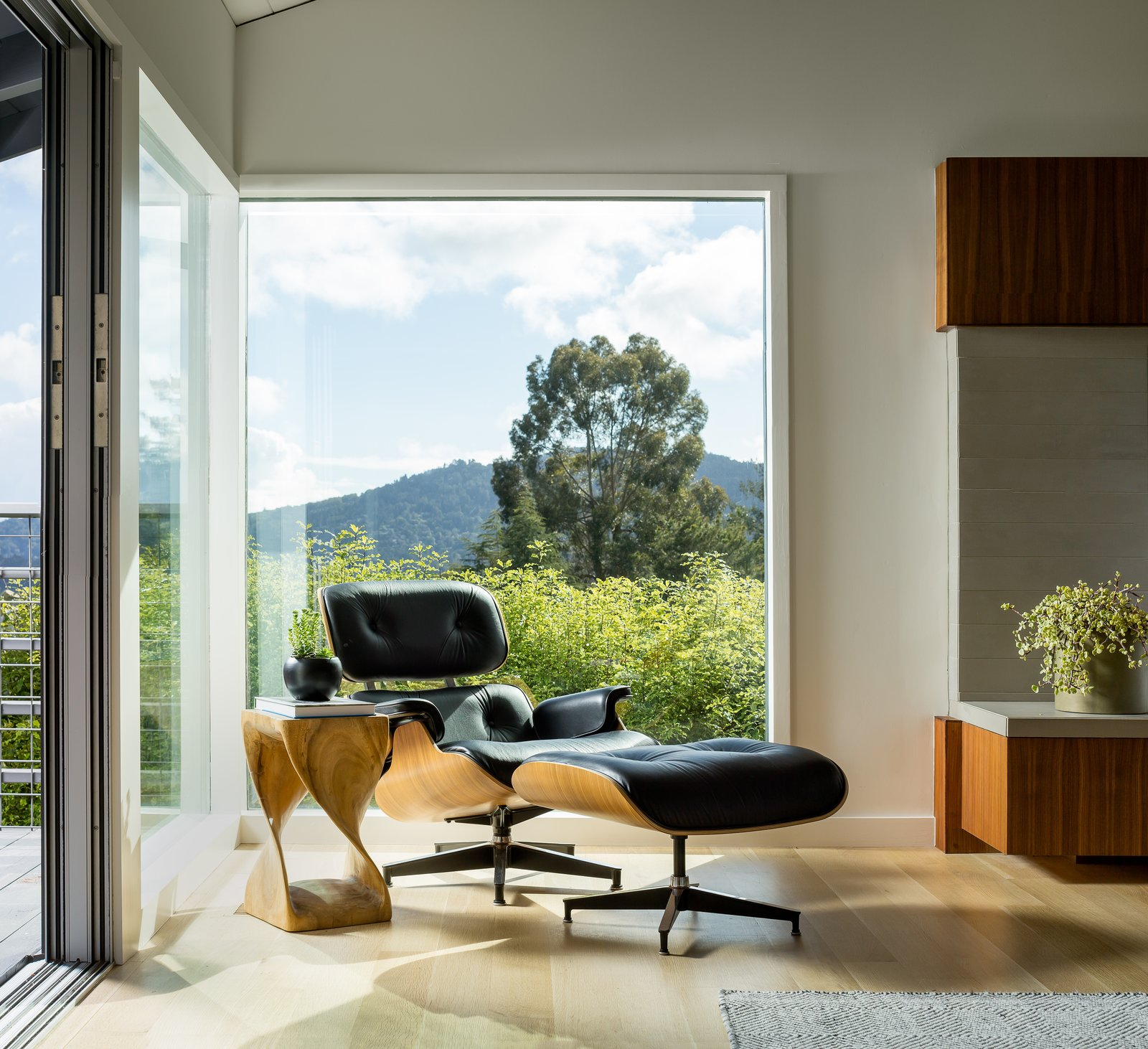 reading corner - living room  Marin Midcentury by building Lab