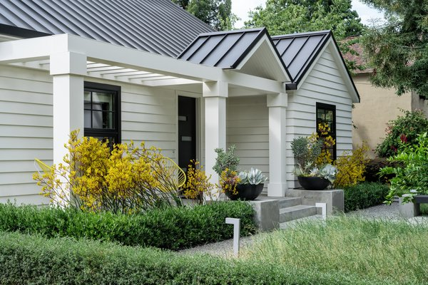 Plantings enhance architectural elements Photo 15 of Refreshing Bungalow modern home