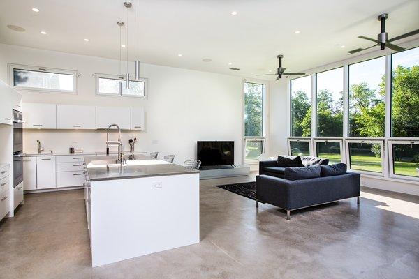 Photo 3 of Itasca Modern modern home