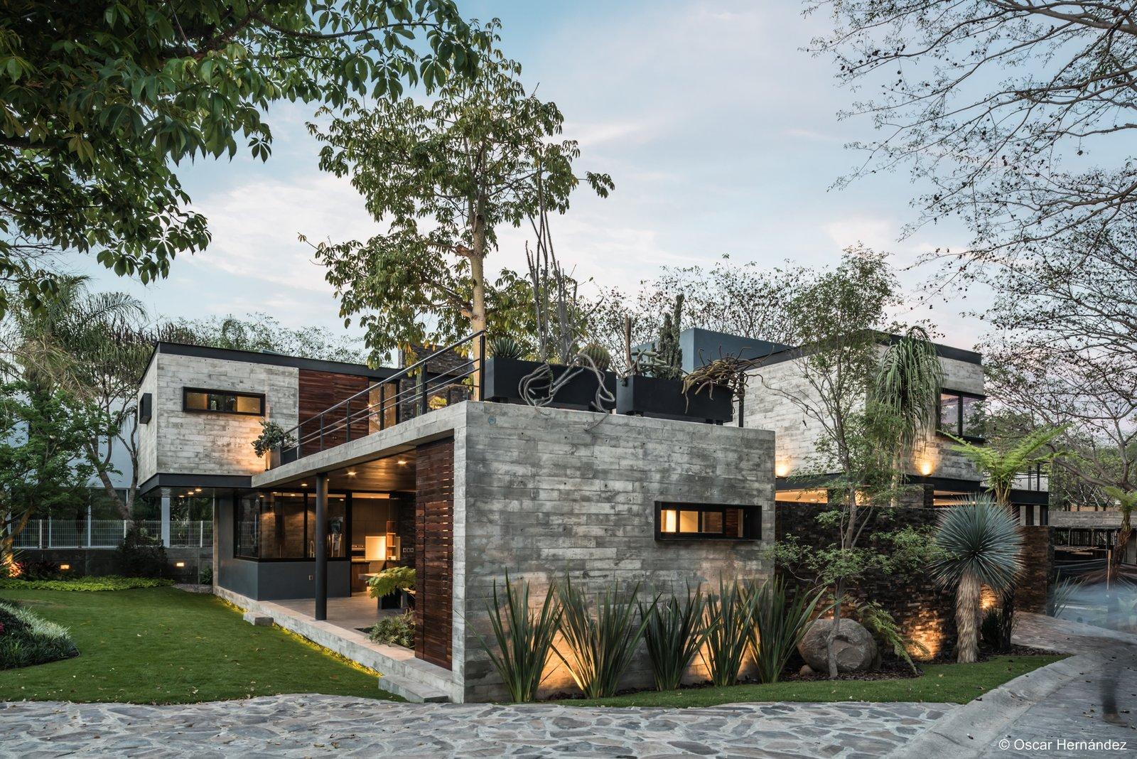 Volumetric concrete design  Casa Kalyvas by Taller de Arquitectura