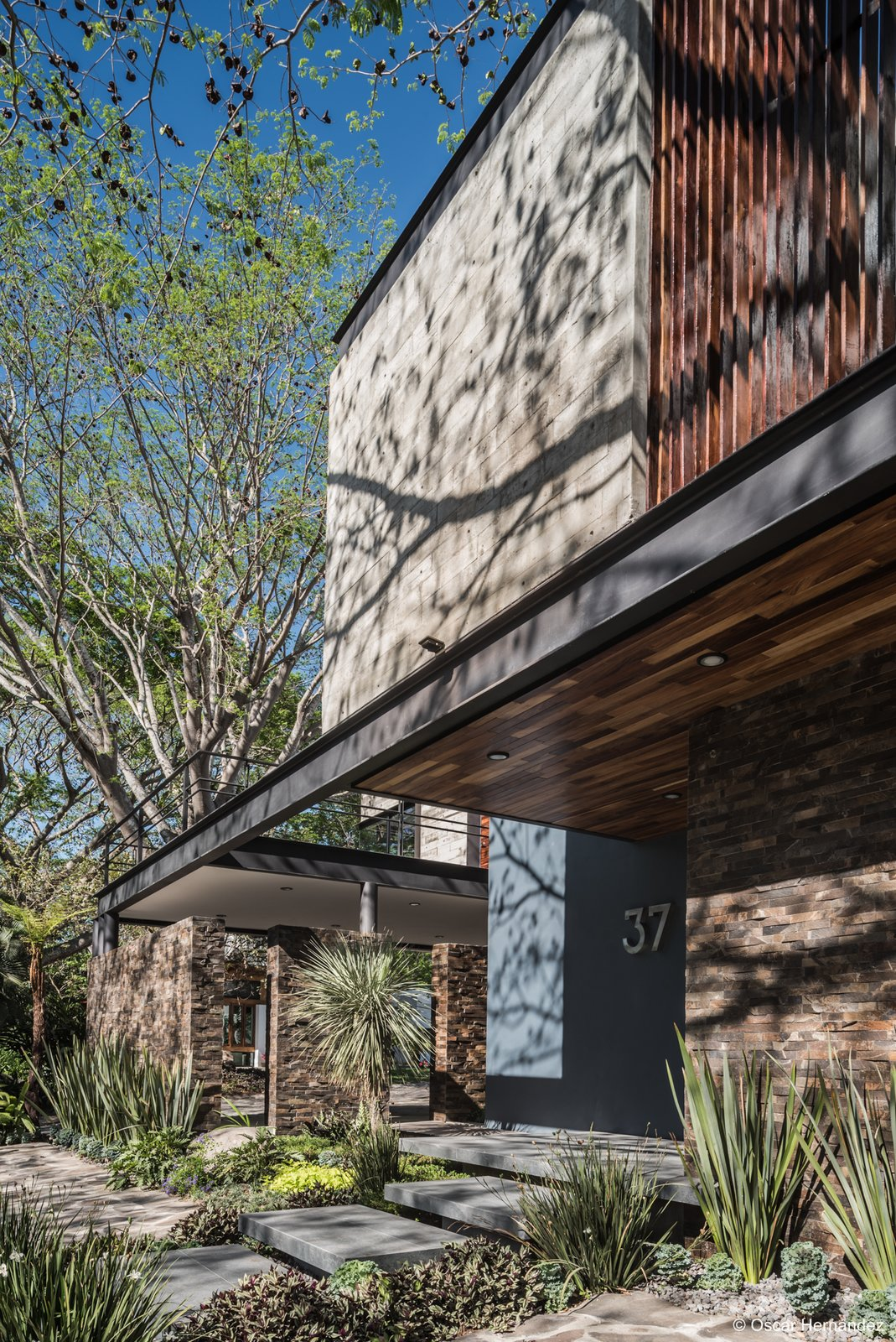 IPR  Casa Kalyvas by Taller de Arquitectura