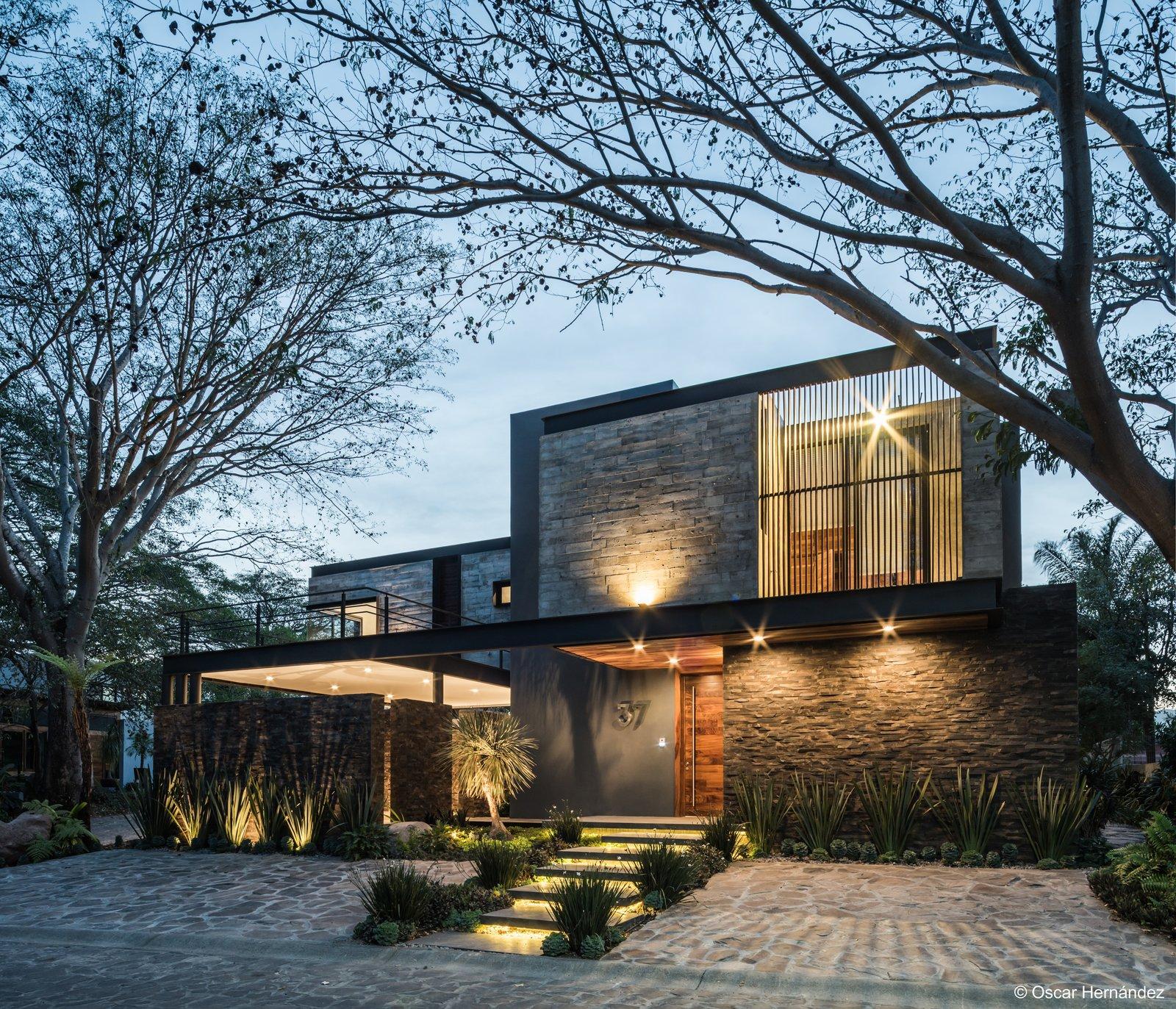 Shadows  Casa Kalyvas by Taller de Arquitectura