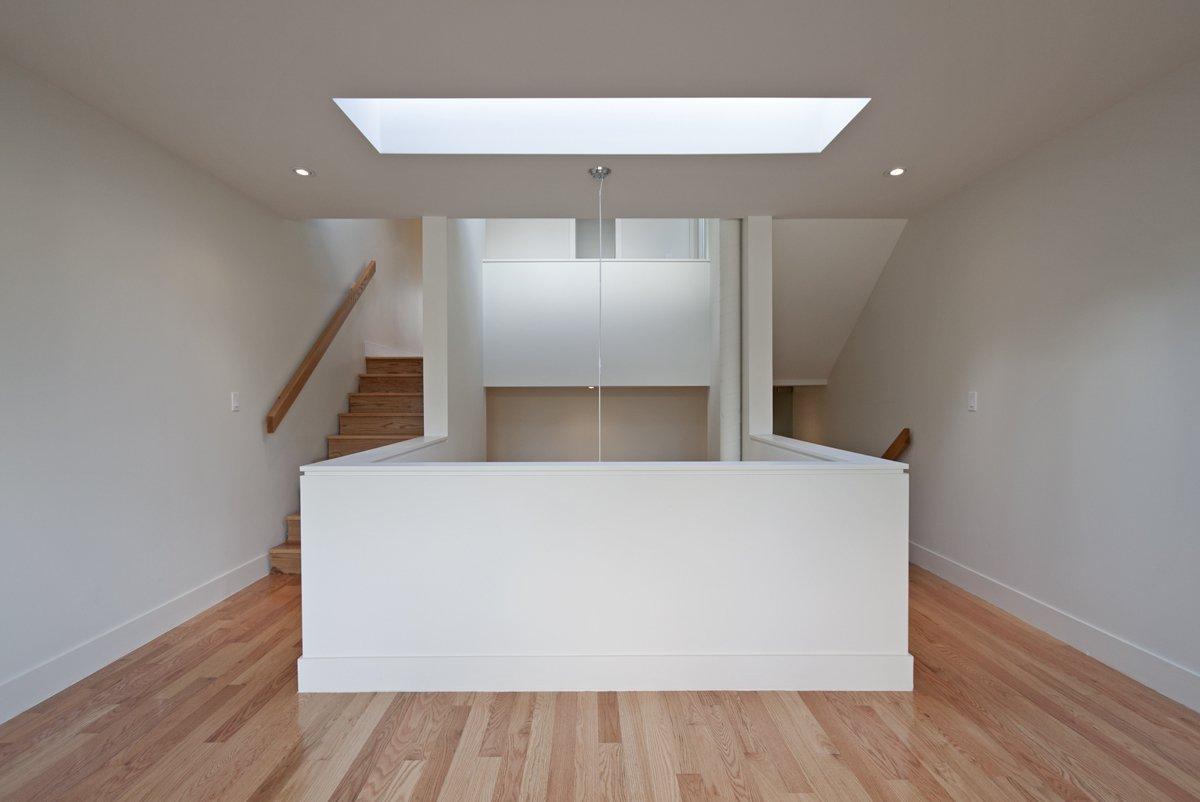 Mezzanine  Shaft House by rzlbd