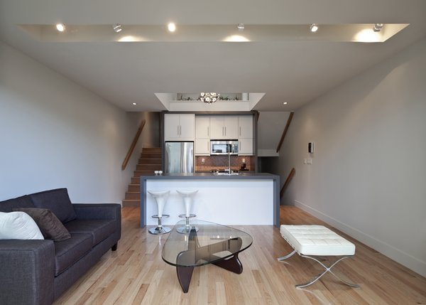 Living room / kitchen Photo 3 of Shaft House modern home