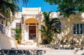 Hemingway's Cuban Hideaway - Photo 2 of 7 -
