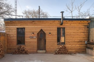 Williamsburg's Western-style Lodge Unites Traveling Creatives - Photo 2 of 7 -