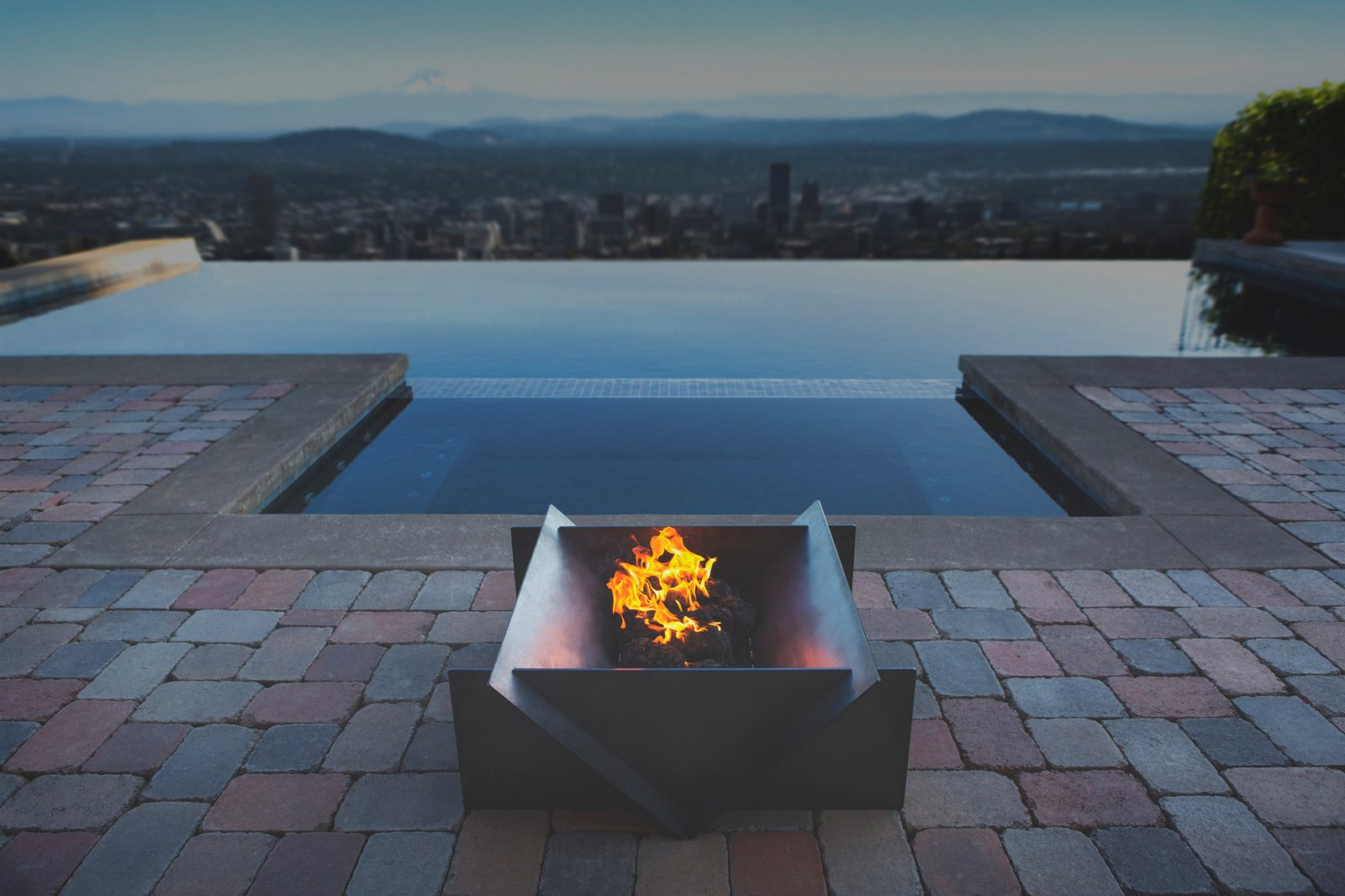 Photo 1 of 1 in Stahl Firepits