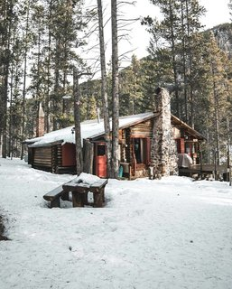 12 Cabin Escapes to Inspire Your Next Weekend Getaway - Photo 5 of 13 -