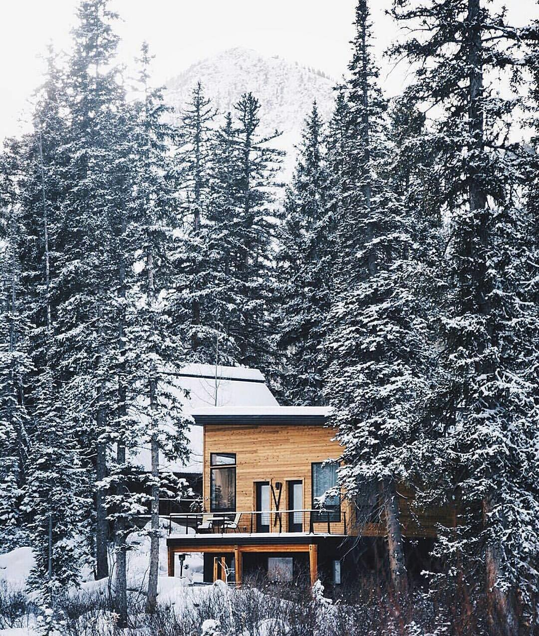 Photo 11 of 14 in 12 Cabin Escapes to Inspire Your Next Weekend Getaway