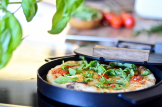 Ironate's Stovetop Pizza Cooker