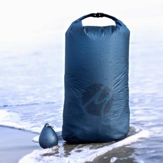 Matador's Droplet XL Bag