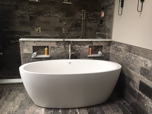 Aquatica Sensuality-Wht™ Freestanding Solid Surface Bathtub Photo  of Residential project: Aquatica Sensuality-Wht™ Bathtub modern home
