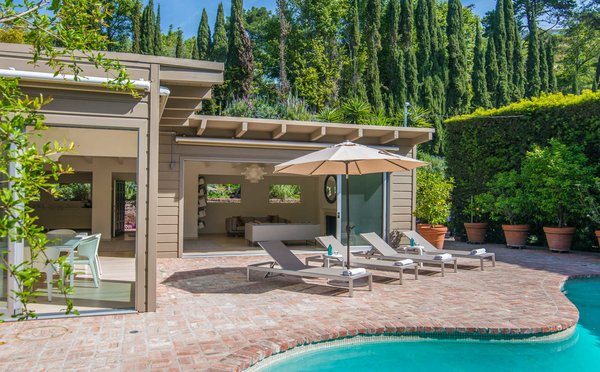 Privacy and serenity are hallmarks of this peaceful retreat in Nichols Canyon Photo  of Nichols Canyon modern home