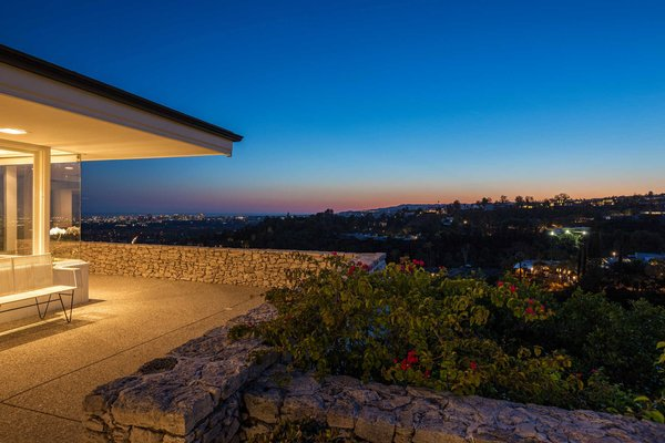 The city skyline at nightfall Photo 9 of Hillcrest Road modern home
