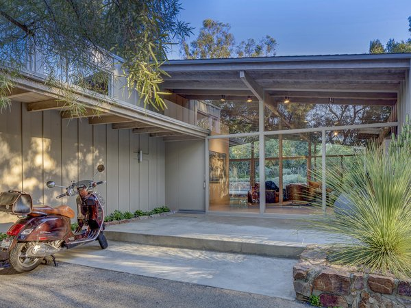 Photo 3 of Midcentury Post and Beam In Fryman Canyon modern home