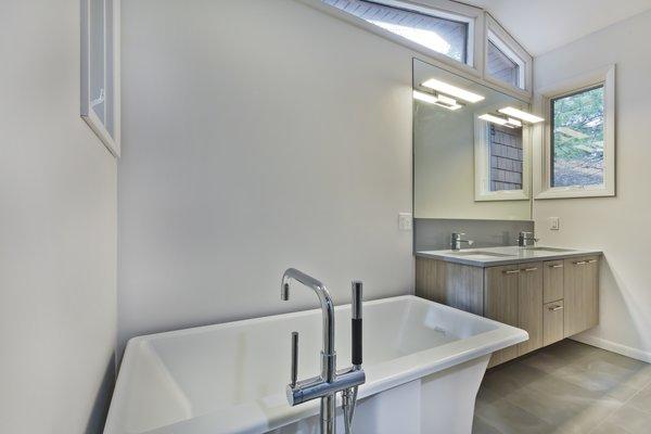 Photo 14 of Lakeside Cottage Rehab modern home