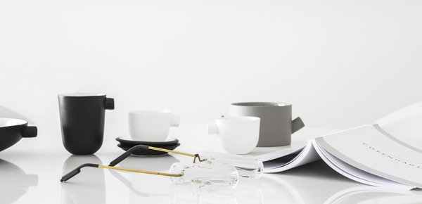 Minimalist objects Photo 8 of White Space in the White City modern home