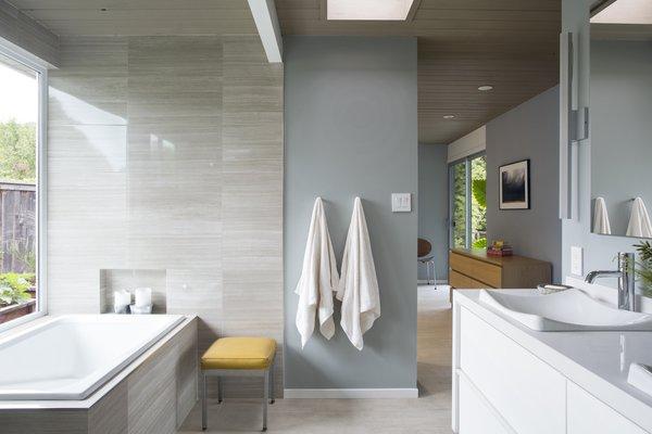 Renovated Eichler Master Bathroom Photo 4 of Northern California Eichler modern home