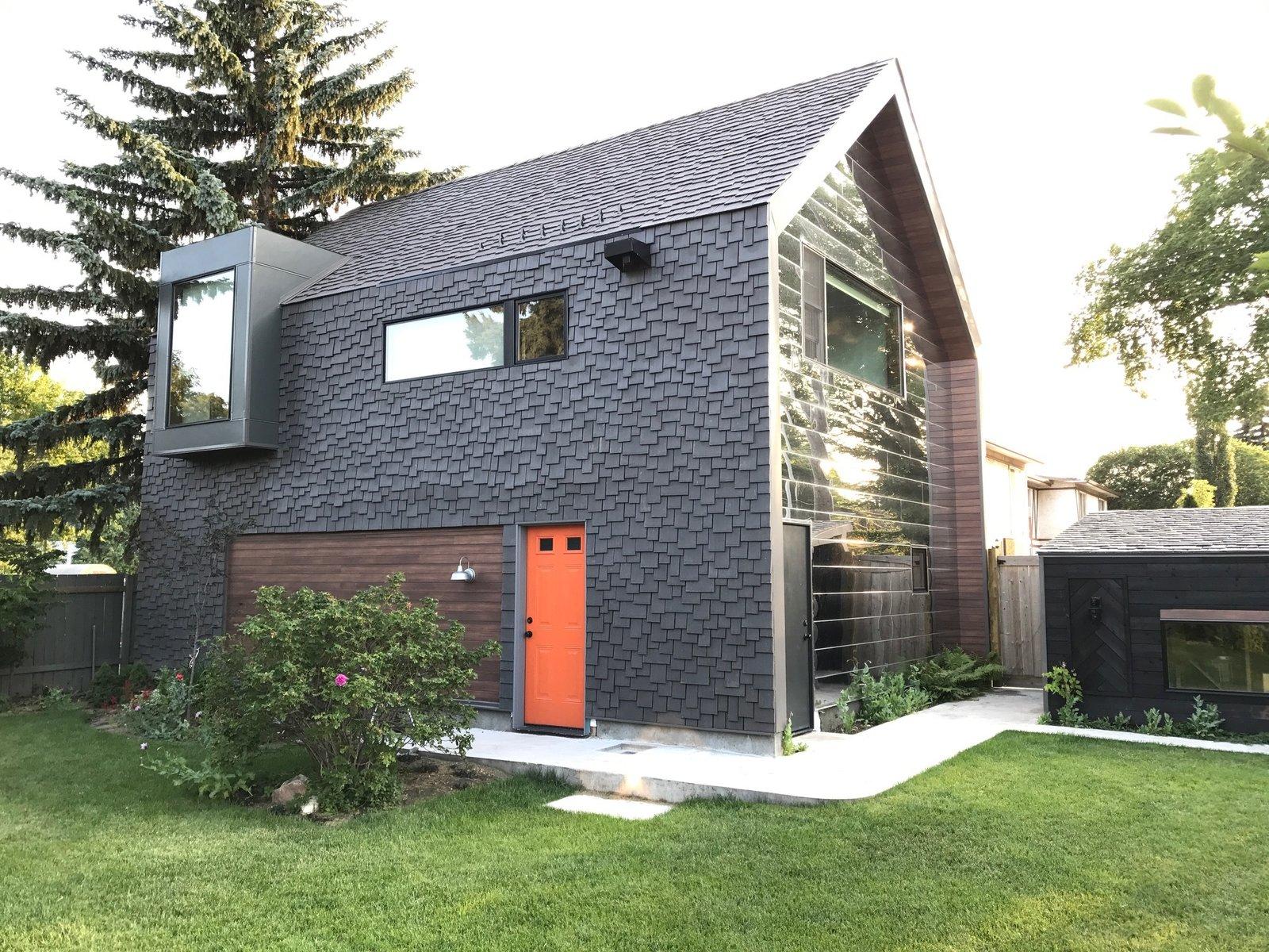 Calder laneway house edmonton modern home in edmonton for New modern homes edmonton