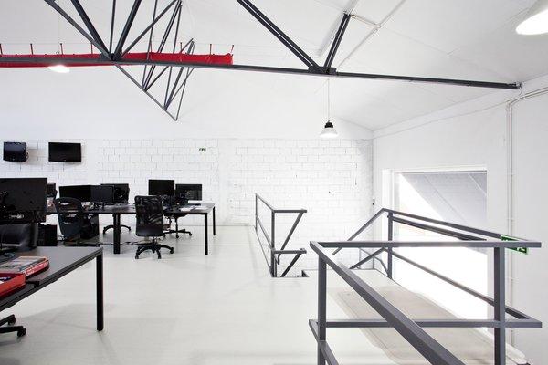 Photo 14 of KuantoKusta Headquarters modern home