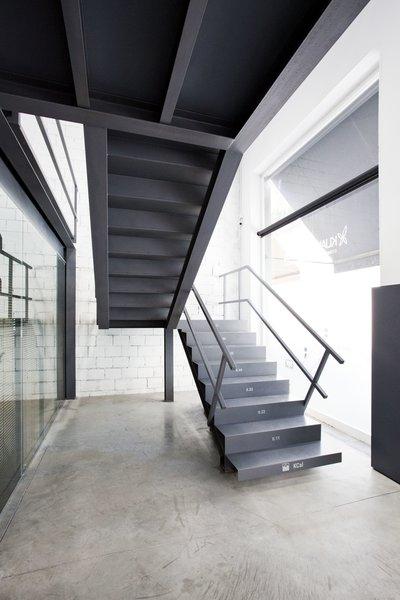 Photo 18 of KuantoKusta Headquarters modern home