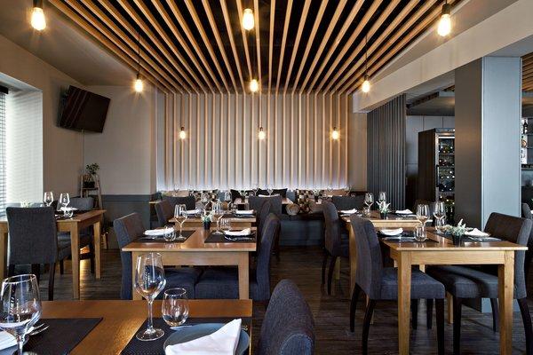 Photo 12 of São Roque Restaurant modern home