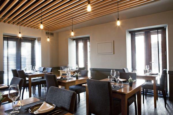 Photo 10 of São Roque Restaurant modern home