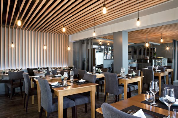 Photo 11 of São Roque Restaurant modern home