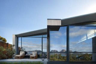 This Modern Tasmanian Resort  Reflects the Natural Forms Surrounding It - Photo 7 of 9 -