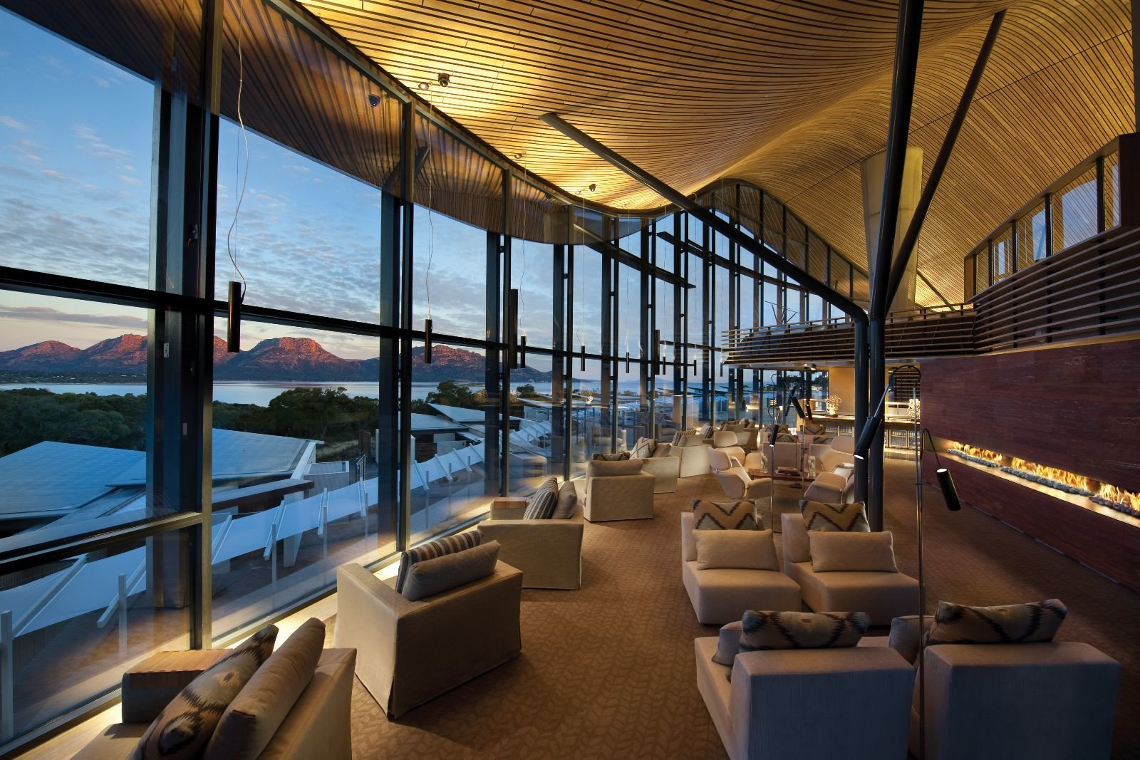 This Modern Tasmanian Resort  Reflects the Natural Forms Surrounding It - Photo 9 of 10
