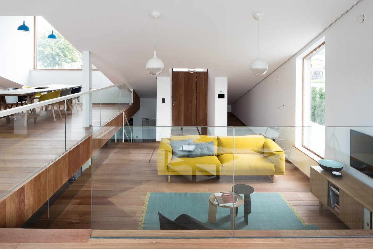 A Compact Home That Literally Pops Up From the Grass - Photo 5 of 12