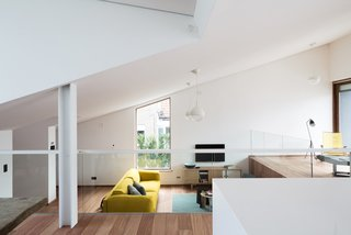 A Compact Home That Literally Pops Up From the Grass - Photo 8 of 11 -