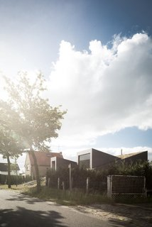 A Compact Home That Literally Pops Up From the Grass - Photo 11 of 11 -