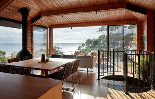 A Great Ocean Road Shack With a View Gets a Sustainable Update - Photo 3 of 11 -