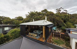 A Great Ocean Road Shack With a View Gets a Sustainable Update - Photo 9 of 11 -