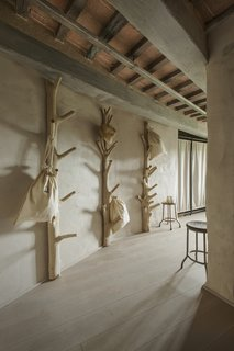 A Tree-Filled Spa That Brings Warm Modernism to a 900-Year-Old Tuscan Village - Photo 7 of 8 -